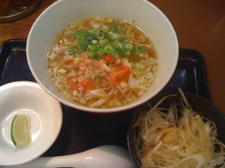 横浜ちゃぶ屋の洋風コンソメらぁ麺