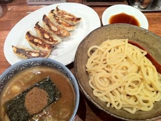 三田製麺所のつけ麺とギョウザ