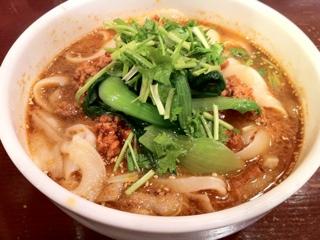 横浜シーアンの刀削担々麺