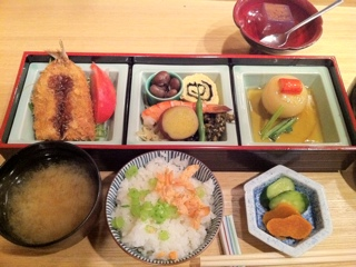 横浜鶴見 和食寿楽の彩り弁当