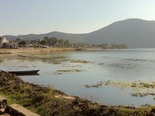 ネパール ポカラ ペワ湖